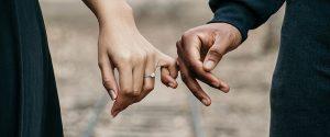 איזו יד עונדים את טבעת הנישואין