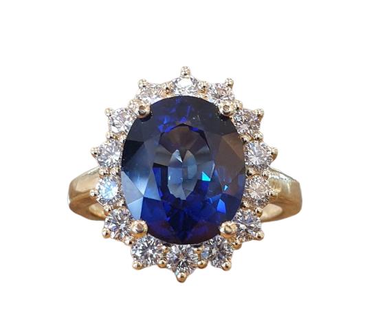 """טבעת אירוסין """"דיאנה"""" עם יהלום ספיר כחולה 4 קראט"""