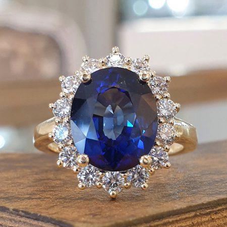 טבעת אירוסין דיאנה עם יהלום ספיר כחולה 4 קראט